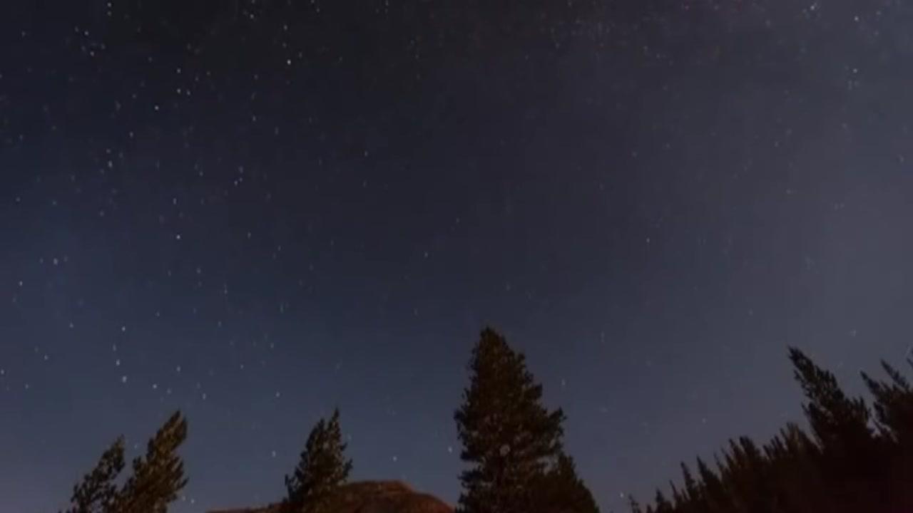 밤하늘 수놓는 유성우 쇼…도심 속 관측명소는?