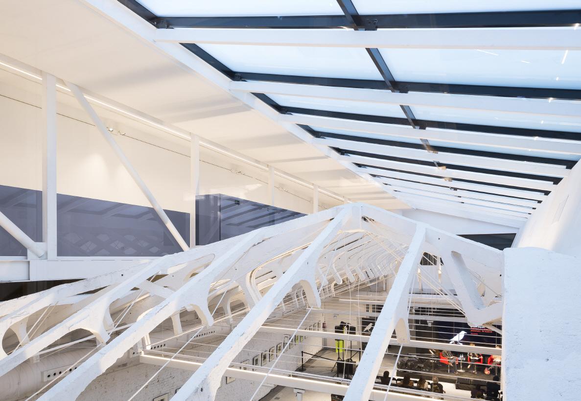 〔안정원의 디자인 칼럼〕 버려진 시장을 세련된 복합문화공간으로 변모시킨 공간 탐구 2