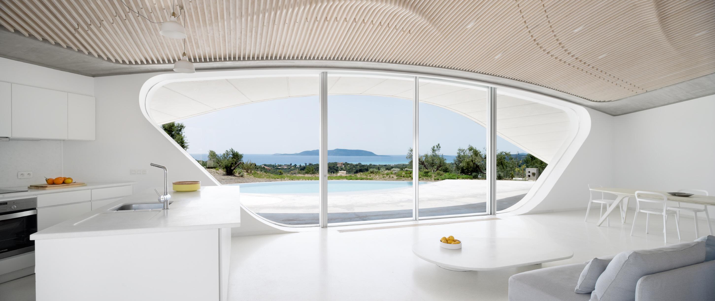 〔안정원의 디자인 칼럼〕 그리스 올리브 농장을 배경으로 완만한 Y자형 마운드의 집 2