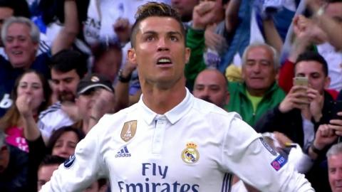 호날두, FIFA 올해의 선수상 2년 연속 수상