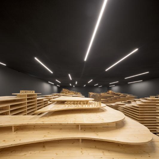 〔안정원의 디자인 칼럼〕포르투갈 모라의 오래된 기차역이 거석 박물관으로 변신한 이색 공간2