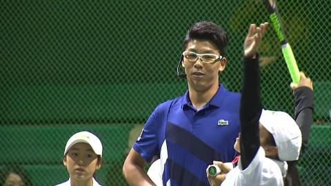 정현에게 테니스 배우는 '정현 키즈'