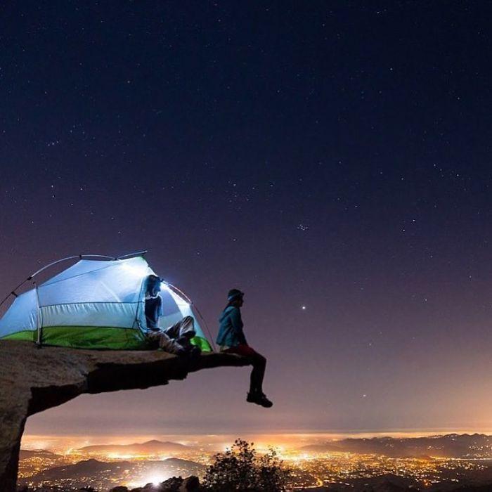 '허세 캠핑 사진'을 모아 조롱하는 인스타그램 계정