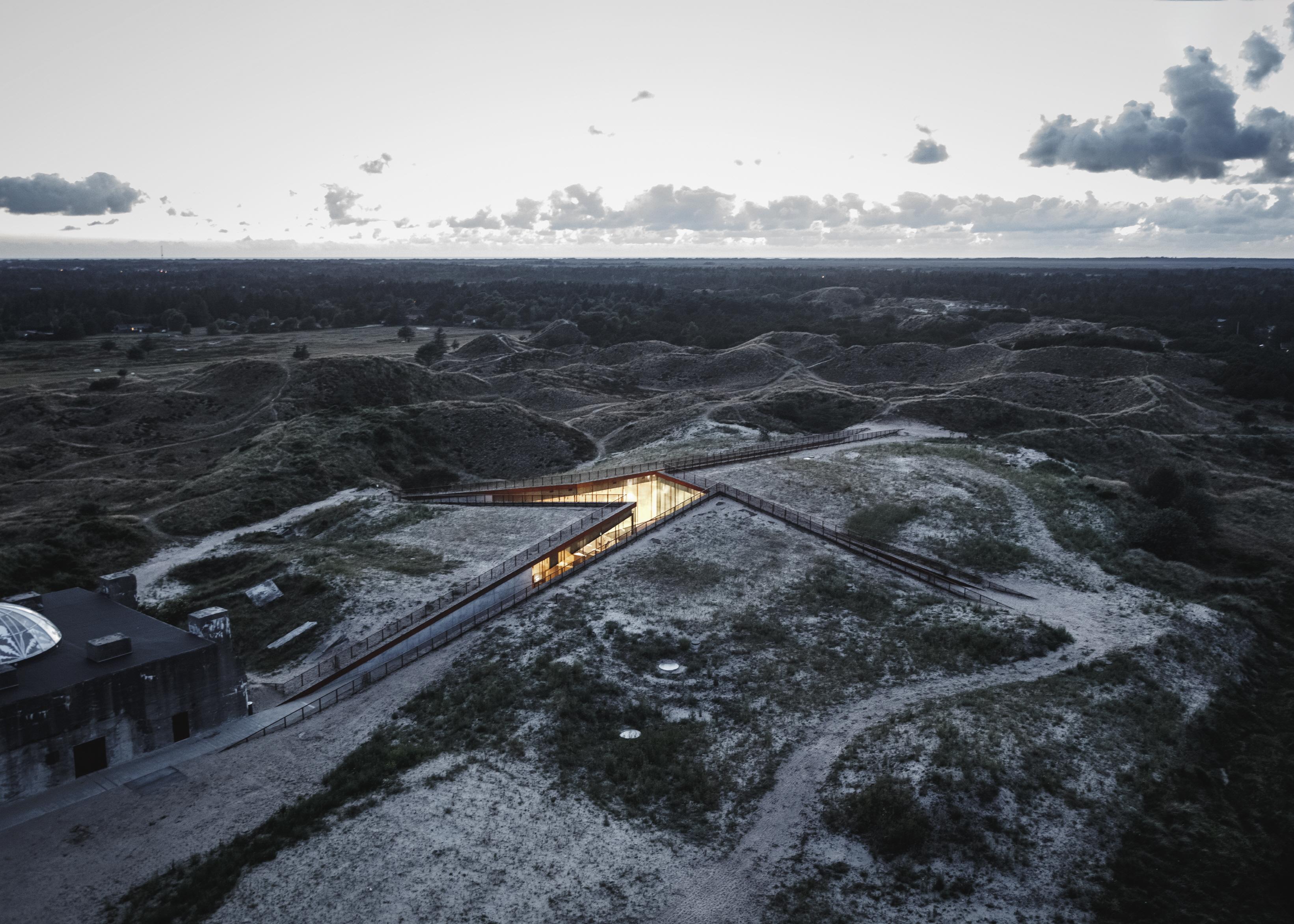 〔안정원의 건축 칼럼〕 전쟁의 잔해물인 벙커 구조물과 조화로운 보이지 않은 박물관 읽기 2