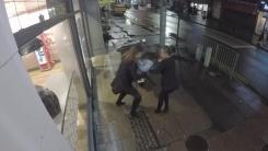 [지구촌생생영상] '피자 통 습격 사건'...술 취한 여성들의 절도 행각