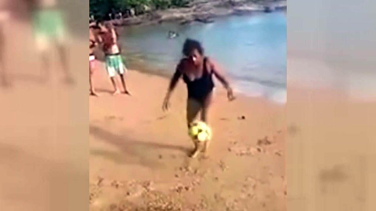 [지구촌생생영상] '내 나이가 어때서'...67세 할머니의 축구 묘기