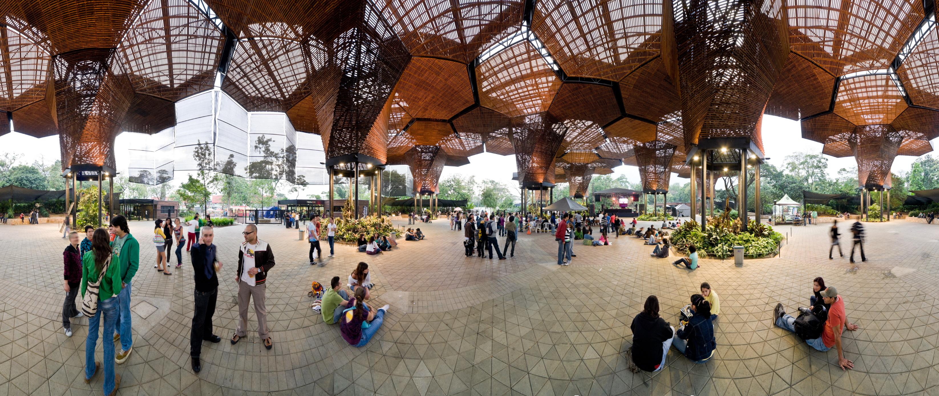 〔안정원의 디자인 칼럼〕 기후 생물학적 패턴을 통해 만들어진 벌집 모양의 정원 공공구조물