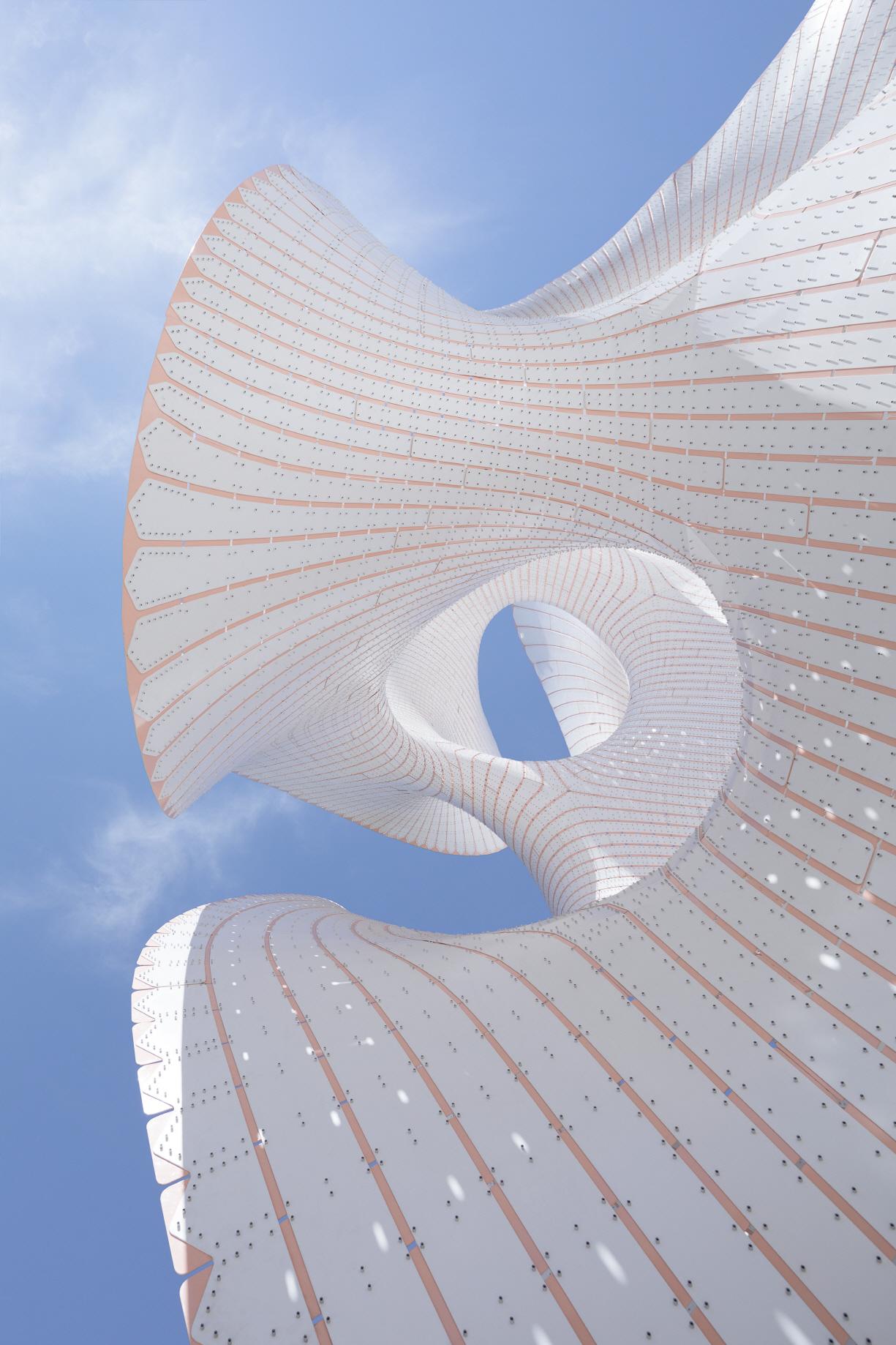 〔안정원의 디자인 칼럼〕 5321개의 수직적 스트라이프로 조합된 알루미늄 판의 구조물2