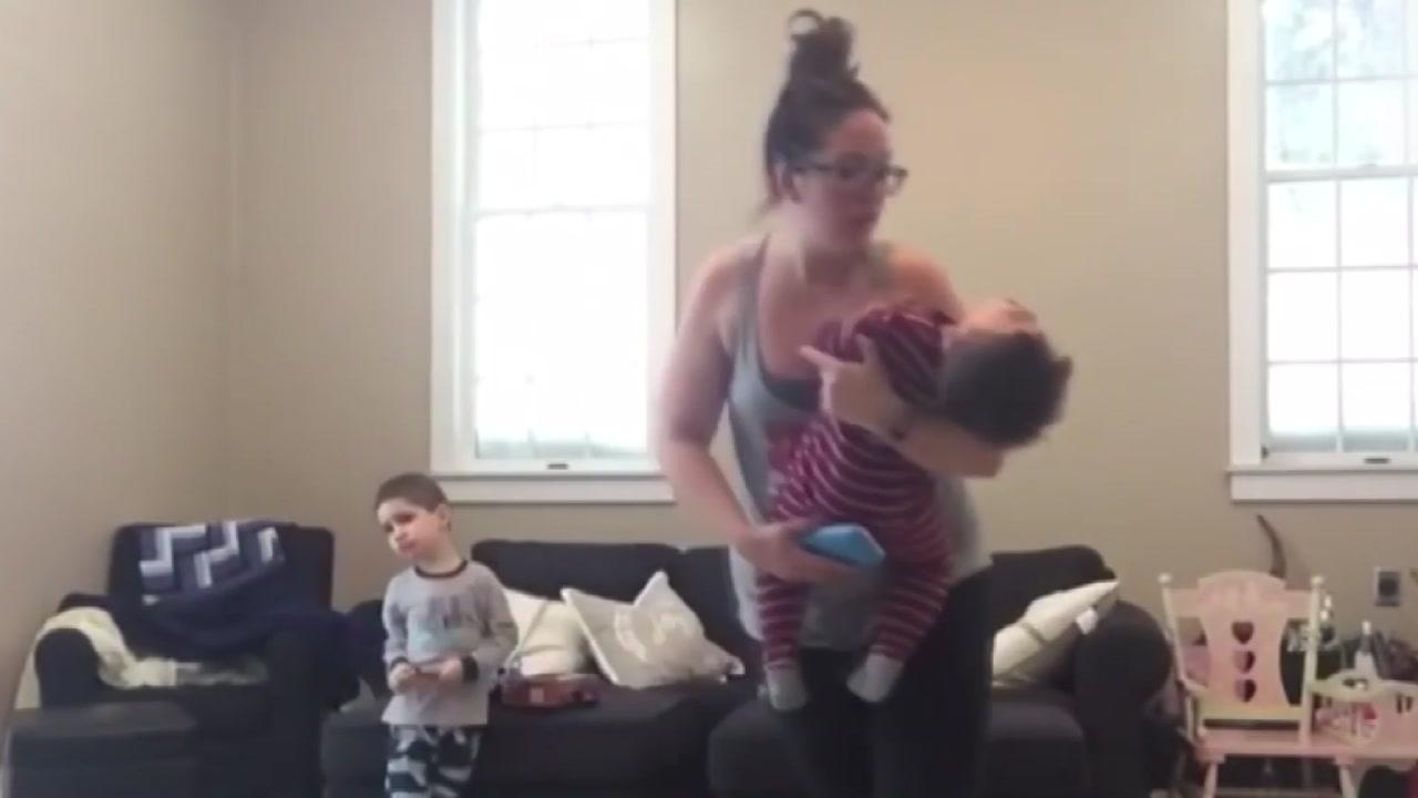 '운동과 육아를 동시에'...아이 셋 엄마의 도전