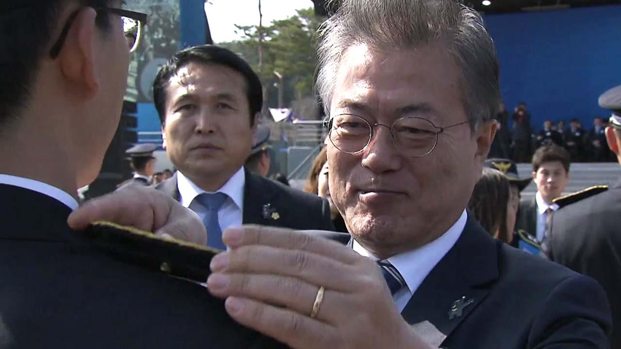 """문 대통령, """"미투 2차 피해 방지 최선"""""""