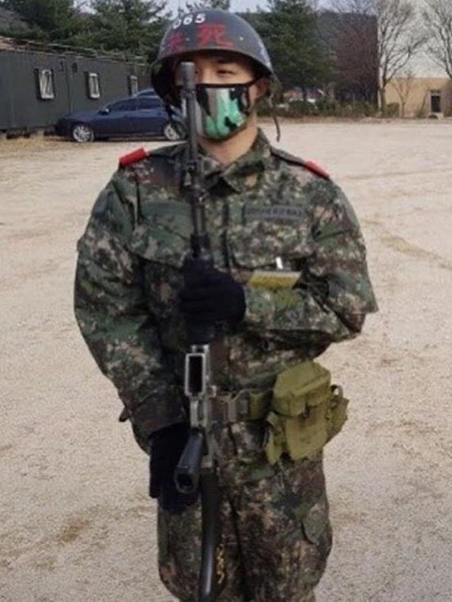 빅뱅 태양, 훈련소 사진 공개…군인 포스 물씬