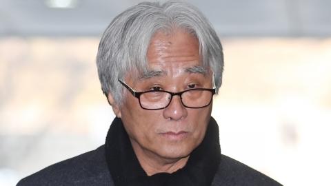 """이윤택 관련 추가 폭로 """"머리채 잡고 가위로 잘라"""""""