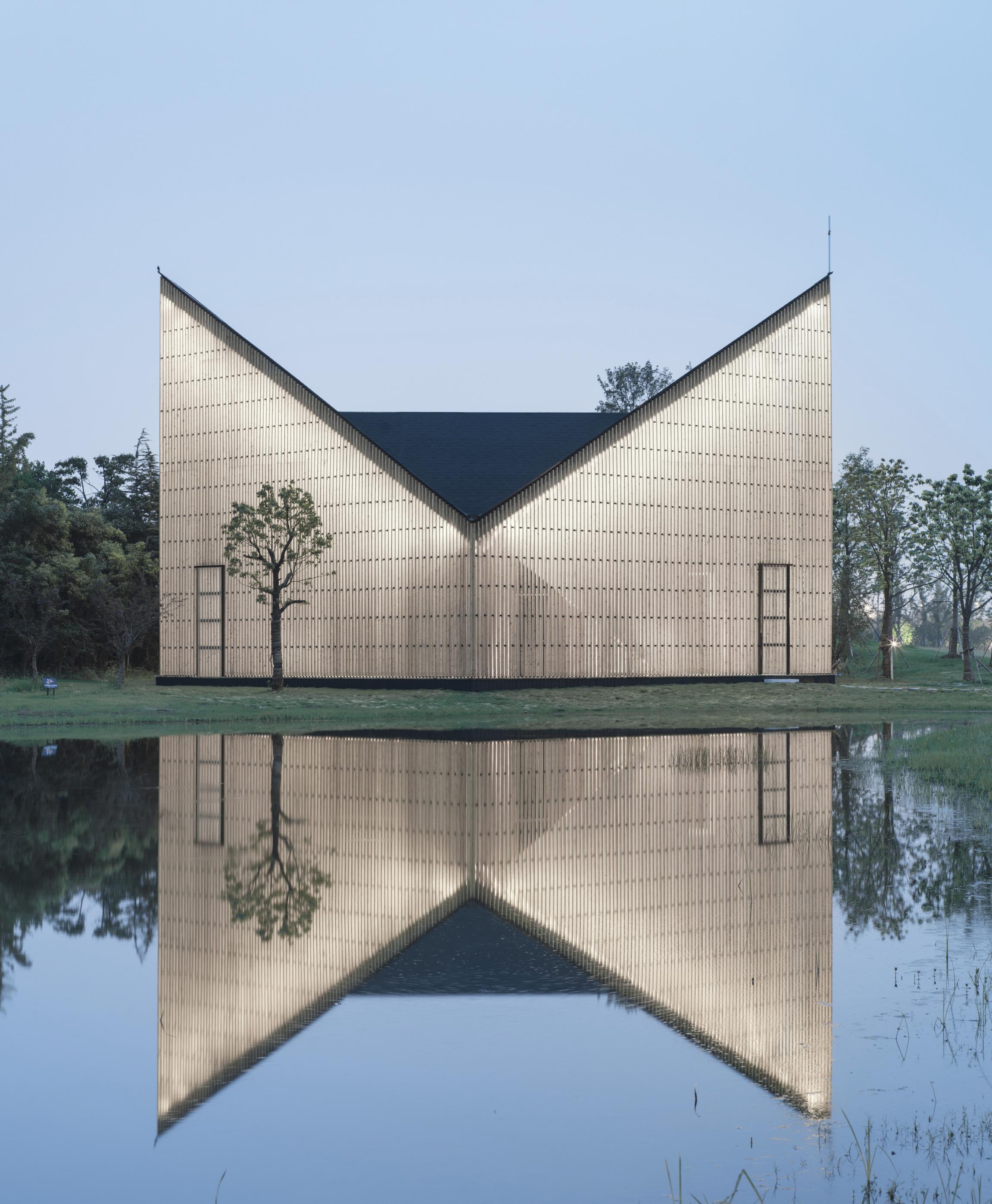 〔안정원의 건축 칼럼〕 이중 외관 구조 시스템으로 구현된 빛을 머금은 예배당 공간 1