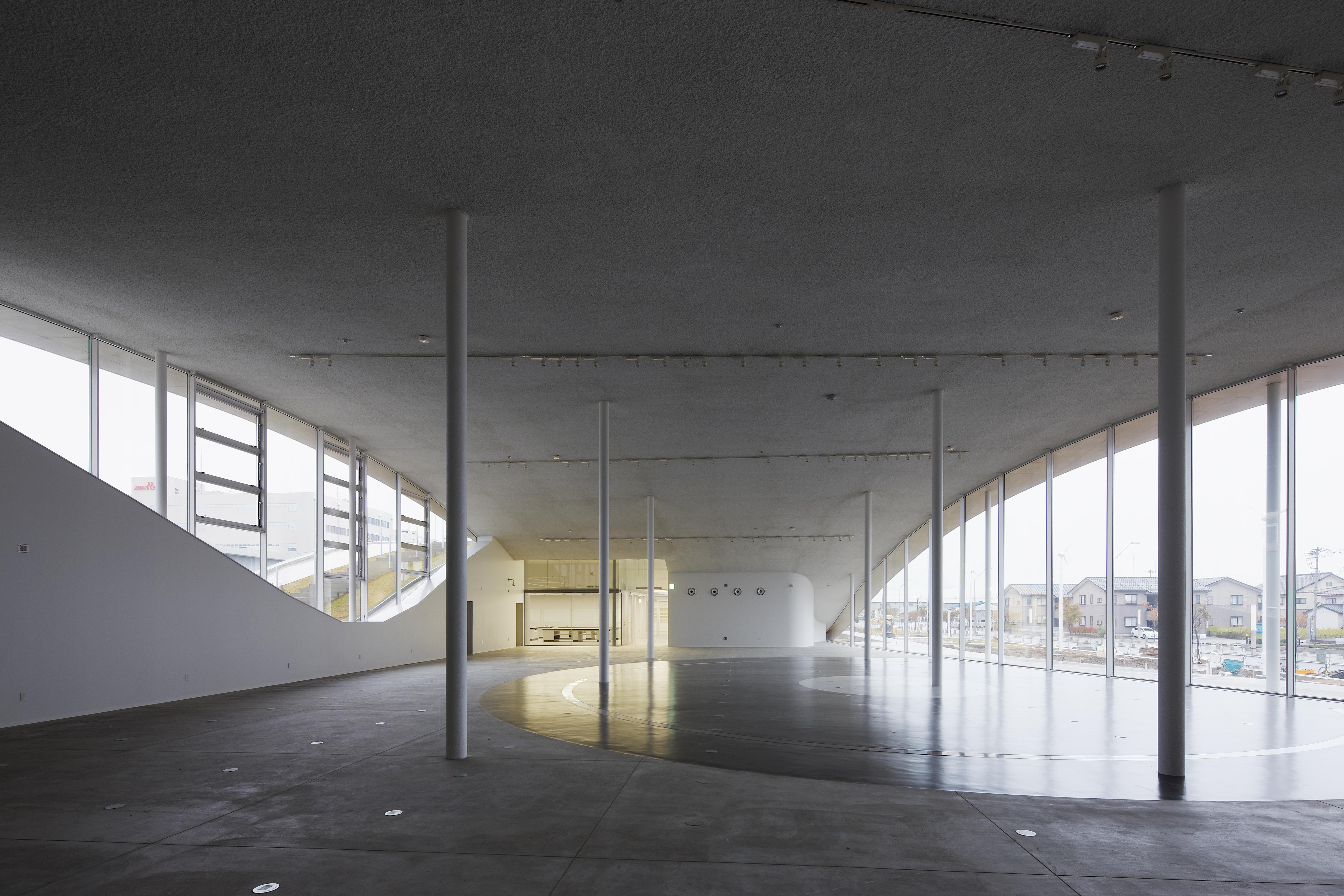 〔안정원의 건축 칼럼〕 경관과 통합하는 풍경화된 건축의 역동적이면서 실험적인 디자인 4
