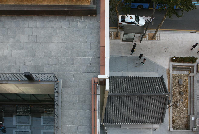 〔안정원의 디자인 칼럼〕 과거와 현재가 공존하는 문화 지향형 오피스 건축 2
