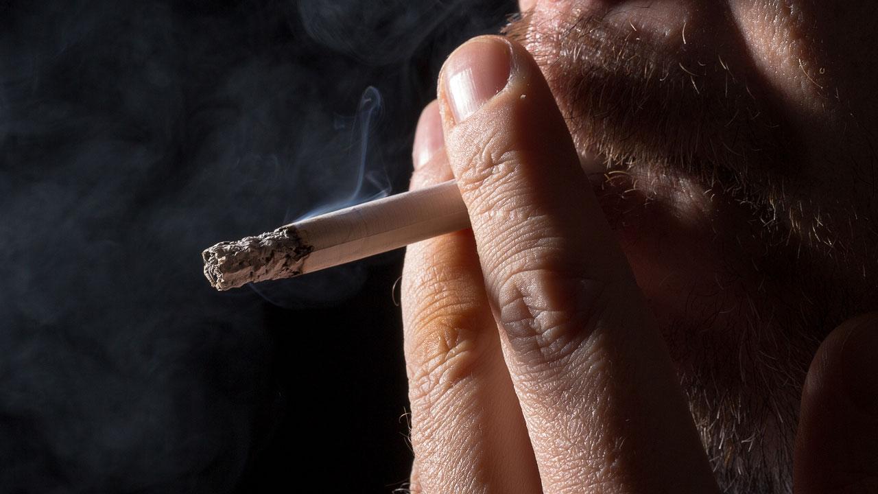 """""""소득·교육 낮을수록 담배 더 피운다...계층차이 뚜렷"""""""