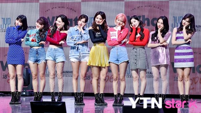 트와이스, 통산 앨범 판매량 220만 장 돌파