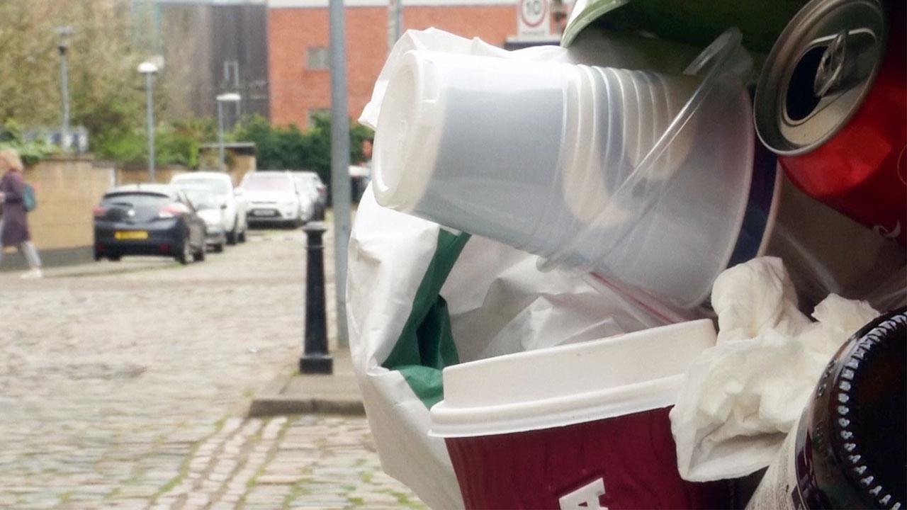 """英 연구팀, 플라스틱 먹는 효소 발견...""""환경오염 획기적 해결 기대"""""""