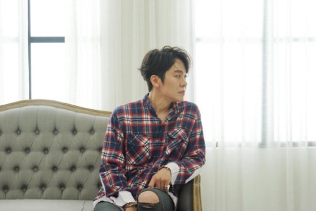 """정엽 측 """"일반인 여성과 열애 맞다…시작하는 단계"""""""
