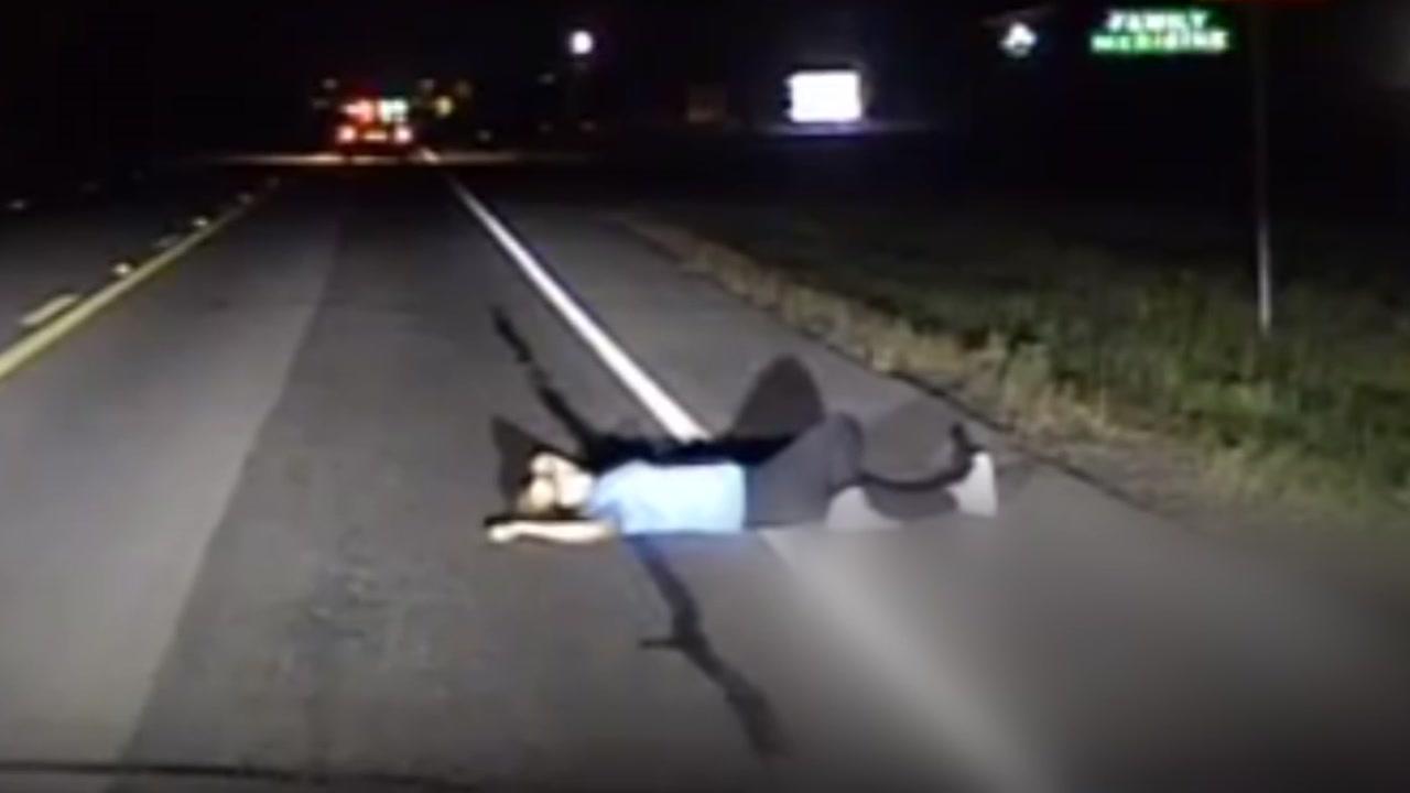 도로는 침대가 아닙니다...만취女 체포
