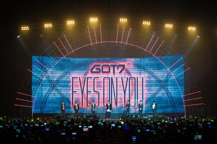 갓세븐, 첫 유럽 공연 2만 관객 동원…글로벌 인기 입증