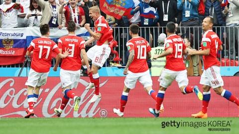 지구촌 축구 축제 팡파르...러시아 개막전 대승