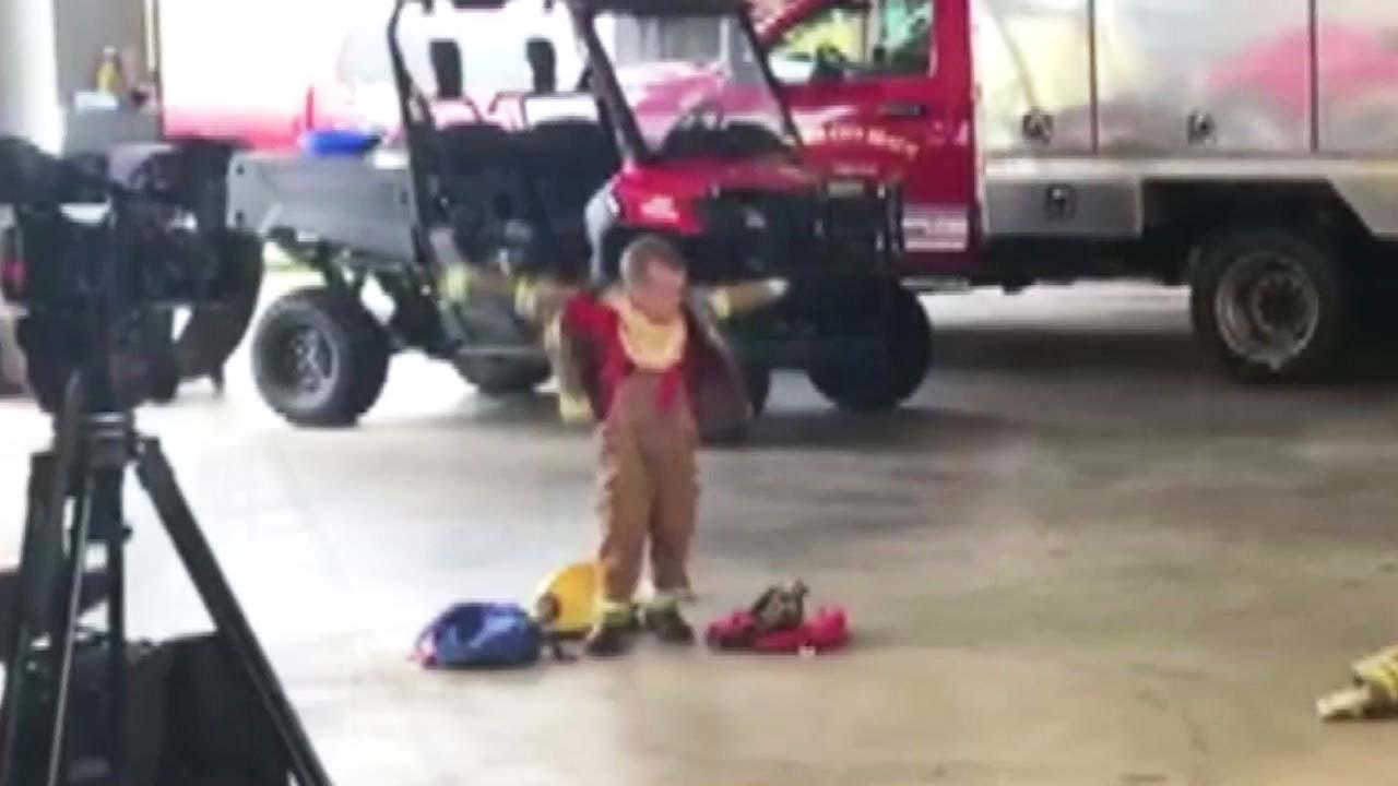 '방화복 빨리 입기'...5살 소년의 도전