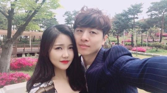 """'결혼' 유상무 """"사랑하면서 살겠다...옹달샘, 들러리 시킬 것"""""""