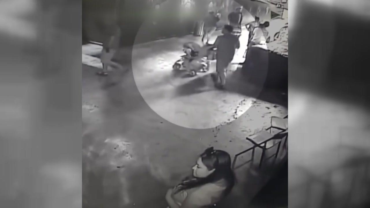 [지구촌생생영상] 유모차에 상어 담아 훔친 3인조 도둑