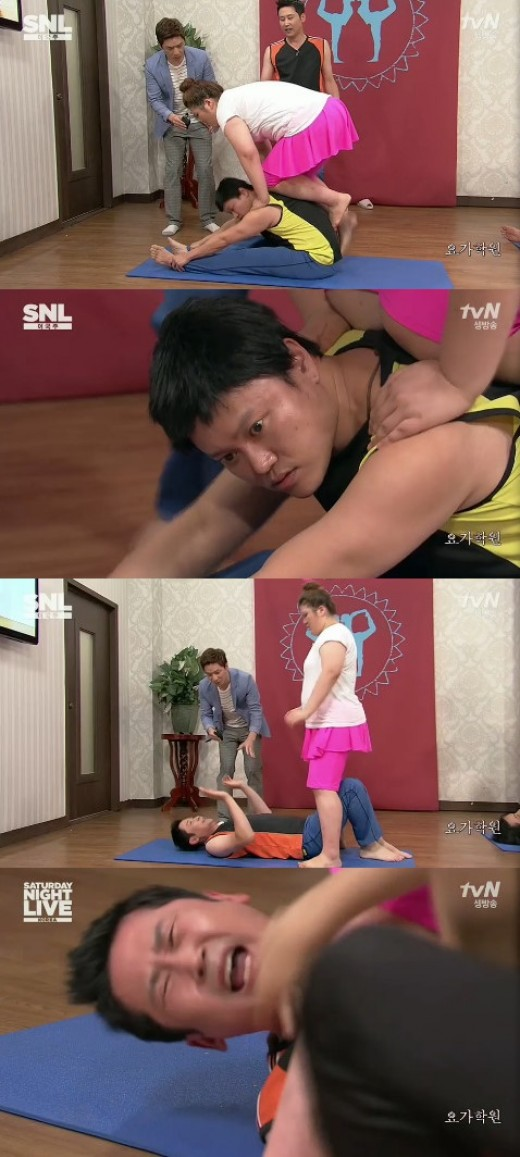 'SNL코리아' 이국주, 요가 실습女 변신…신동엽-김민교 '고통 호소'_이미지