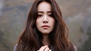 한지민, 가을 패션 사진 공개…'청순 매력'