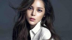 박시연, '아찔' 화보…매혹적인 눈빛 뽐내
