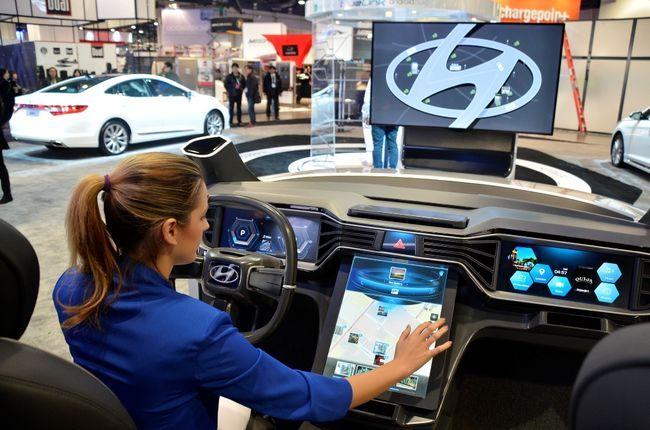 현대차, 스마트워치 연결 미래 차량IT 신기술 제시_이미지2