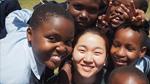 장윤주, 탄자니아 소녀들과 '닮은꼴 미소'