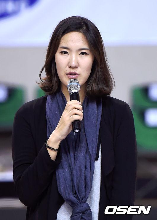 """김계령,""""친정팀에서 은퇴, 기쁘다"""""""
