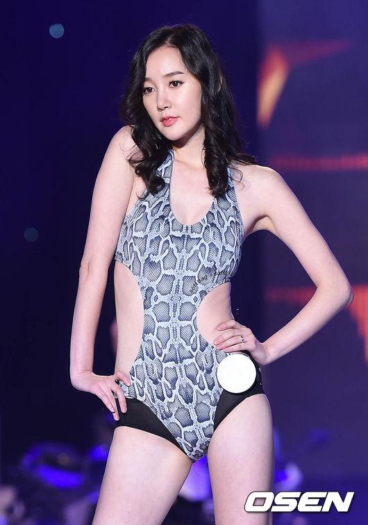레이싱 모델 콘테스트,'마른 몸매에도 섹시하게'