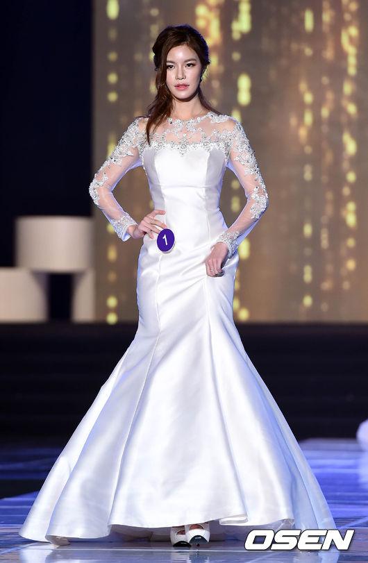 이새나,'아름다운 순백의 드레스'