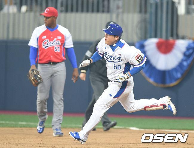 거침없이 달리는 김현수