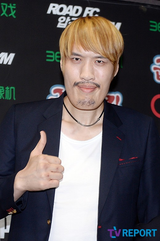 '로드FC' 최홍만, 19세 루오췐차우 상대로 강한 자신감