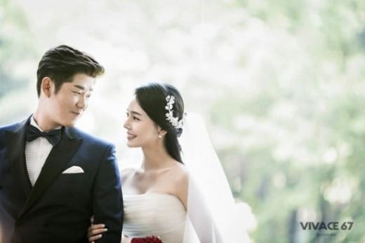 """SK 박희수, 2년 열애 끝 결혼 """"신부 위해 최선 다할 것"""""""