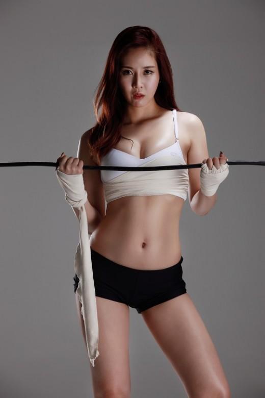 이서현, 로드걸 발탁...국내 최초 스포츠 모델 '몸매 섹시甲'