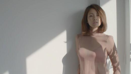 야노시호, 입은 듯 안 입은 듯 착시드레스 ...침대 위 '아찔'