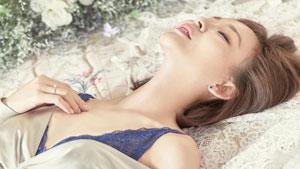 '日 대표 미인' 야노시호, 품격 넘치는 섹시美