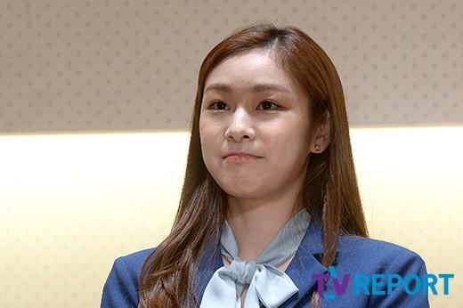 김연아 '생각하는 표정이 귀엽네'_이미지
