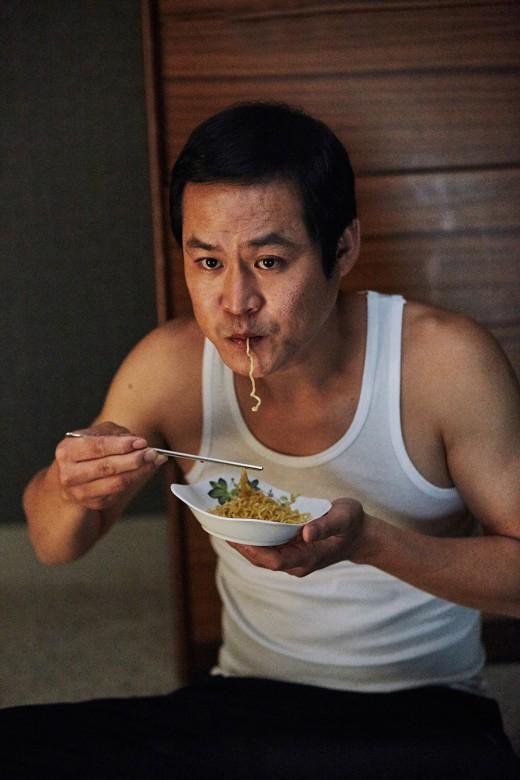 '보안관' 김성균, 포블리 능가할 강렬한 한방
