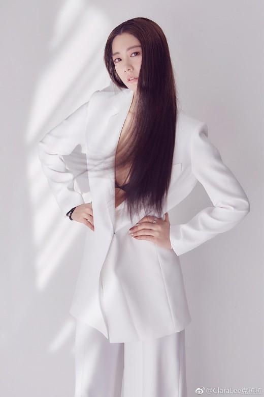 """""""긴 생머리, 어울리죠?"""" 클라라, 청순 섹시의 정석_이미지3"""