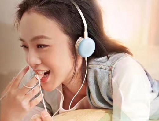 """""""청초한 37세"""" 탕웨이, 나이 무색한 아이 미소_이미지2"""