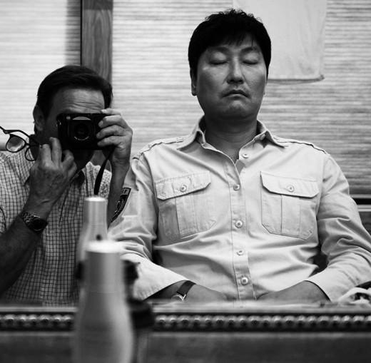 """""""낮잠도 영화처럼""""…'택시' 토마스 눈에 비친 송강호"""