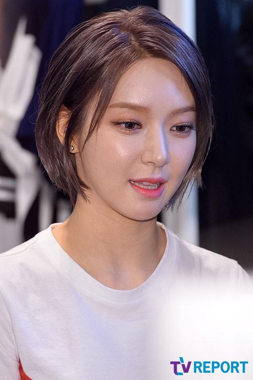 초아, AOA 탈퇴 후 첫 근황…고3 팬들에 응원 메시지