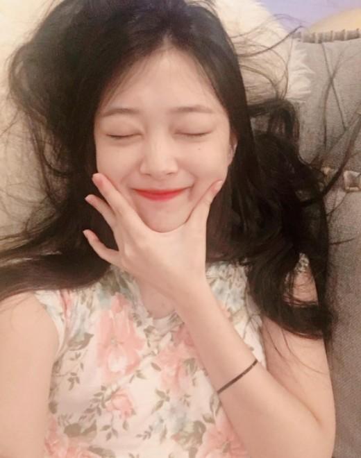 """안정 찾은 설리…""""행복해""""_이미지"""